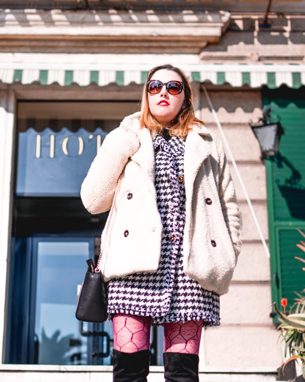 Pied de poule e perle: un capo di abbigliamento che da abito diventa capospalla