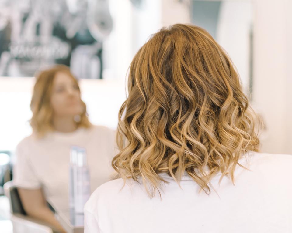 Capelli Biondi: tips e consigli per mantenere un colore perfetto anche in estate!