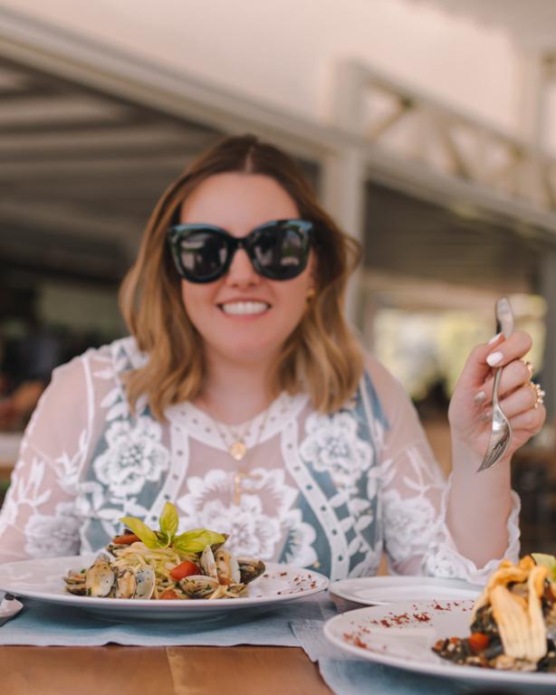 Look pranzo in spiaggia: i tre capi che non devono mancare nella vostra valigia!