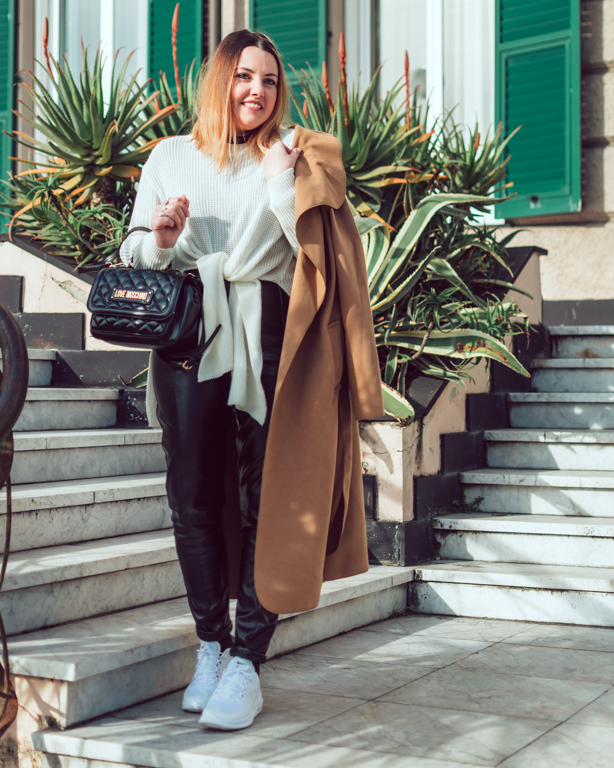 Camel coat & white sweater: must-have inverno 2020 // OOTD