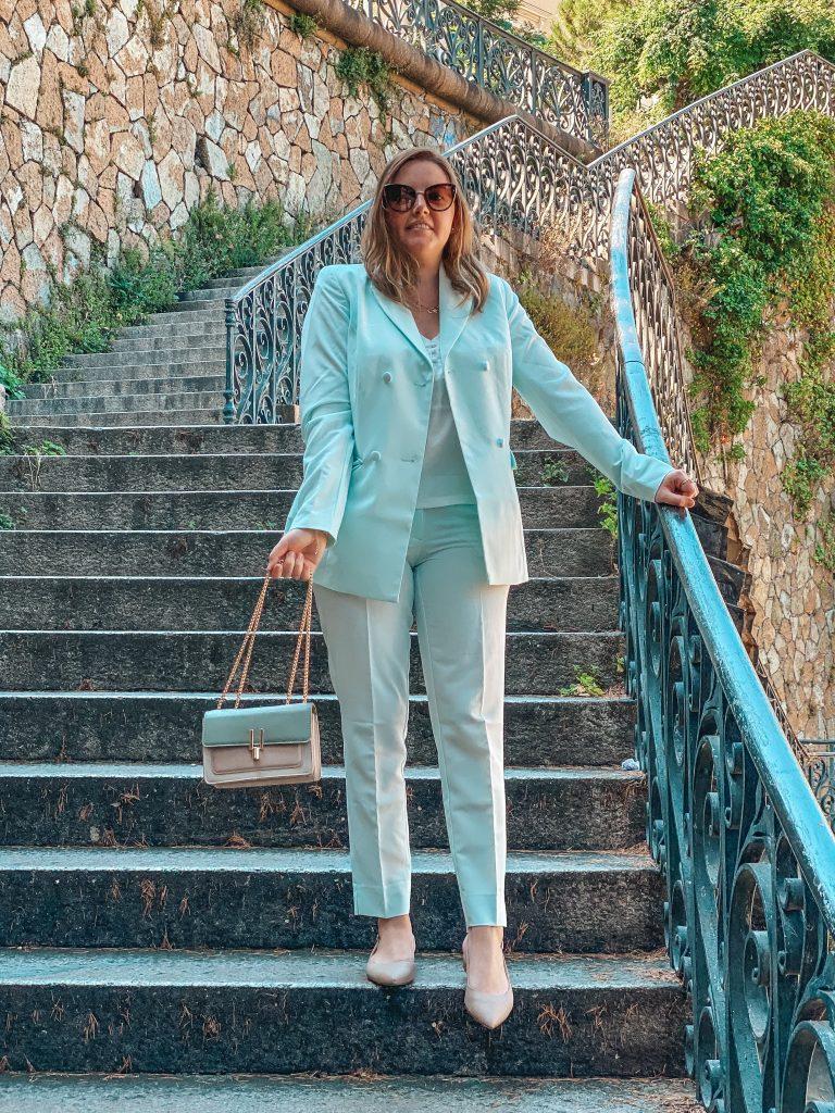 Tailleur Pantalone, il must have della primavera/estate 2020 è pastello!