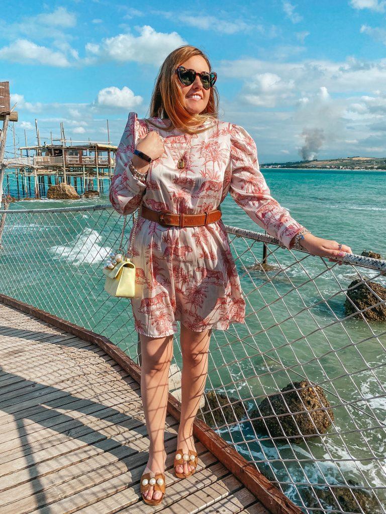 Perle, mare e dettagli rosa: il mio look per un pomeriggio estivo // OOTD