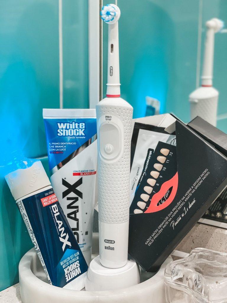 Spazzolino elettrico ed altri trucchetti per denti sempre bianchi
