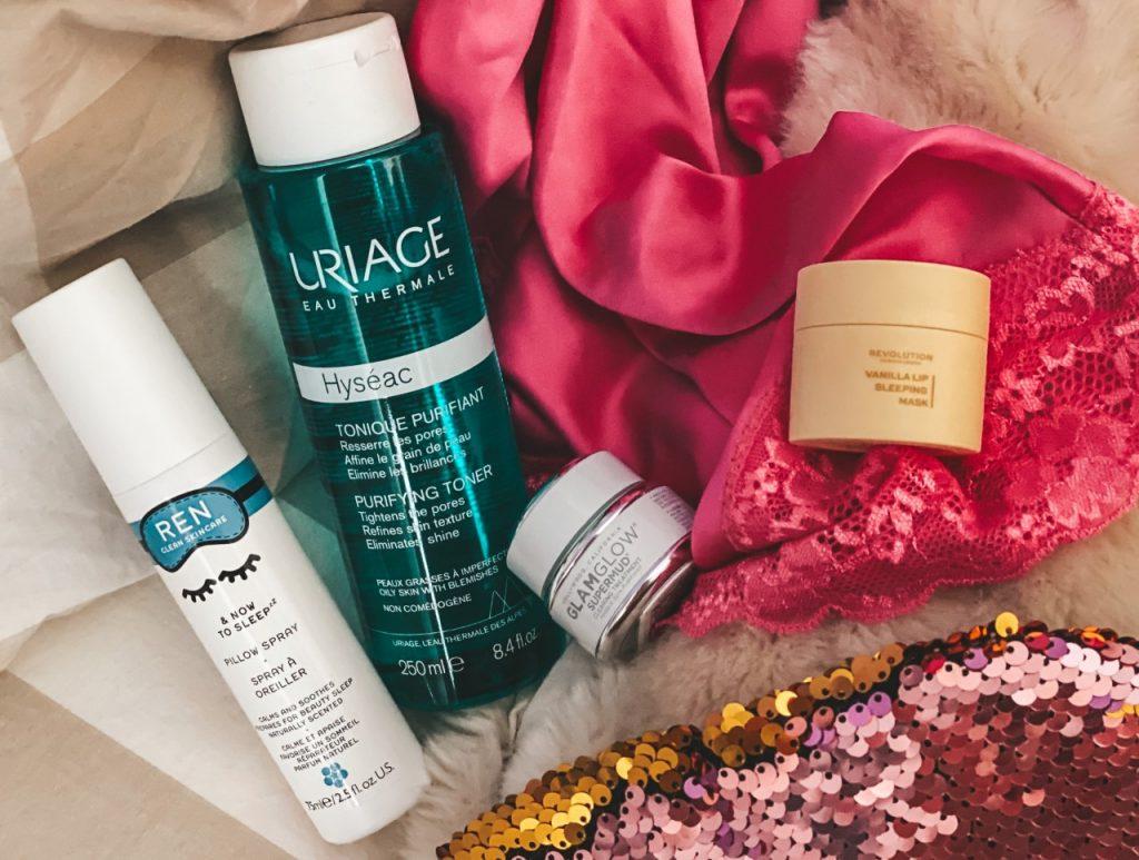 Skincare night routine: i prodotti base di acidi AHA e come utilizzarli