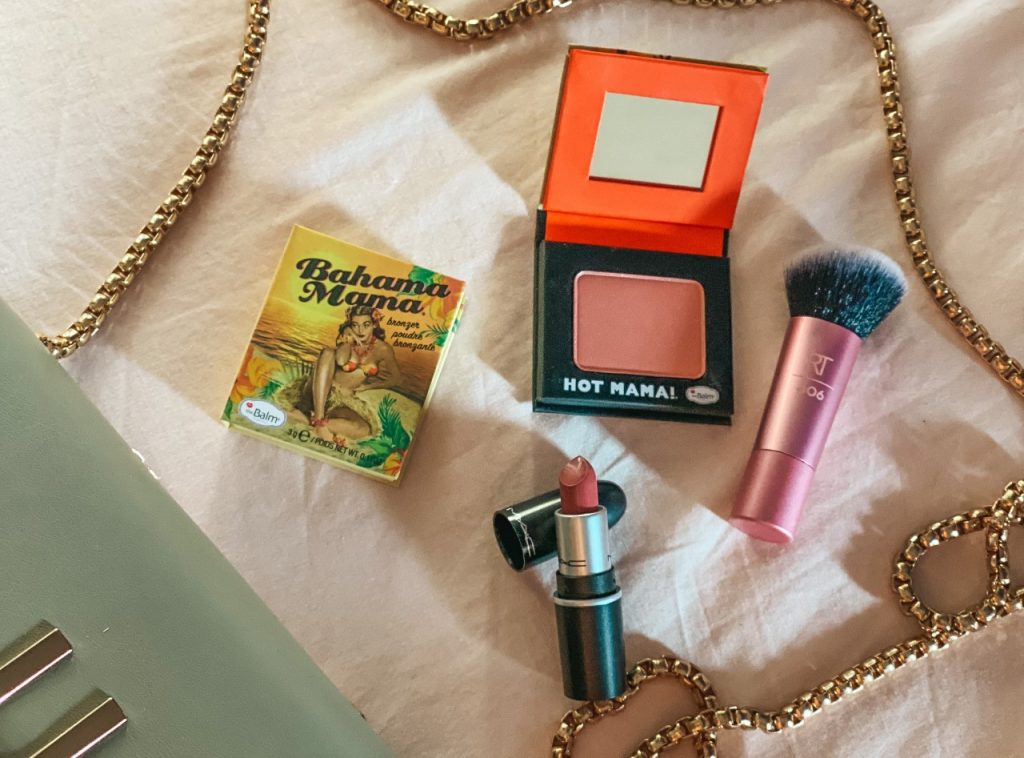 Travel size make-up: i prodotti essenziali da portare in vacanza!